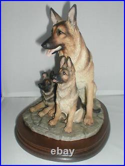 BORDER FINE ARTS, GERMAN SHEPHERD+ PUPS, 1998, Original Very Rare, Margaret Turner