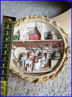 BRAMBLY HEDGE BORDER FINE ARTS BH105 Cameo HARVEST MICE Small Plaque RARE
