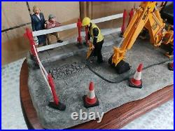 New Border Fine Arts Essential repairs Limited edition JCB Digger Good condition